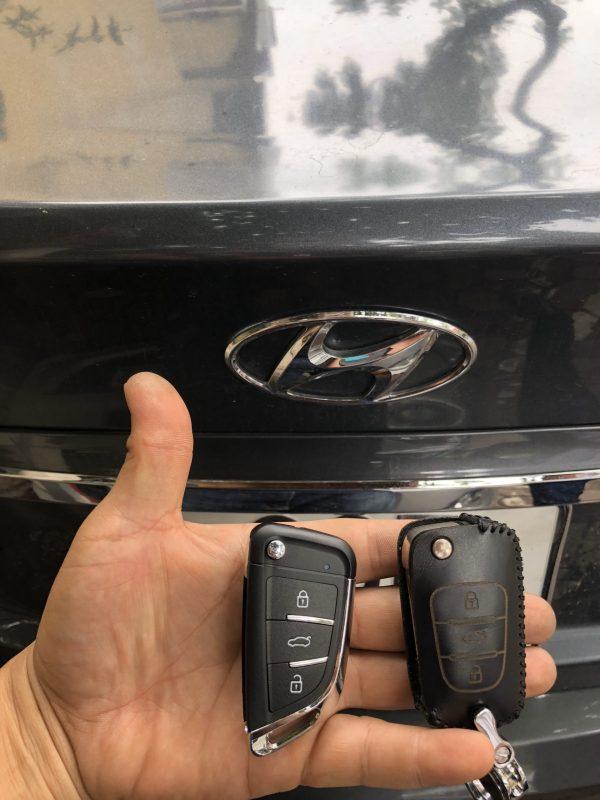 chìa khóa remote Hyundai Santafe