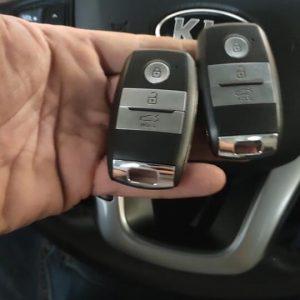 chìa khóa thông minh Kia Rondo