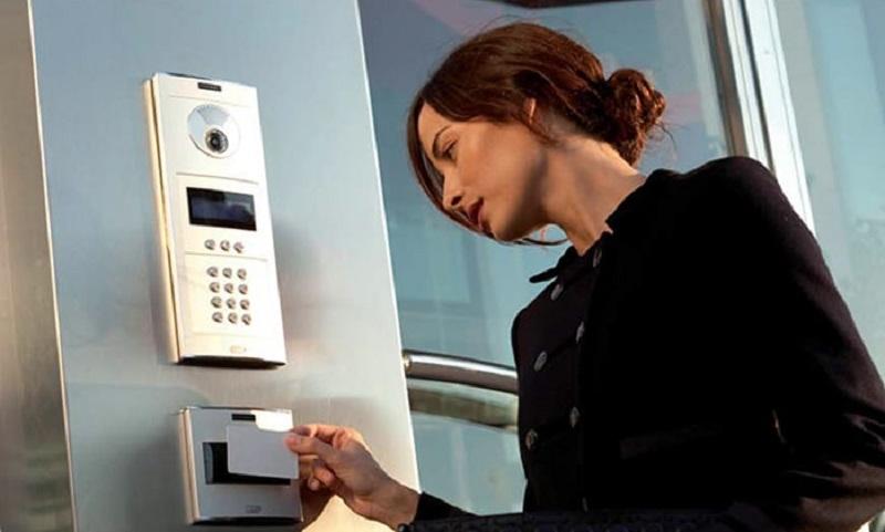 Cách sử dụng thẻ từ thang máyrất đơn giản và dễ thực hiện